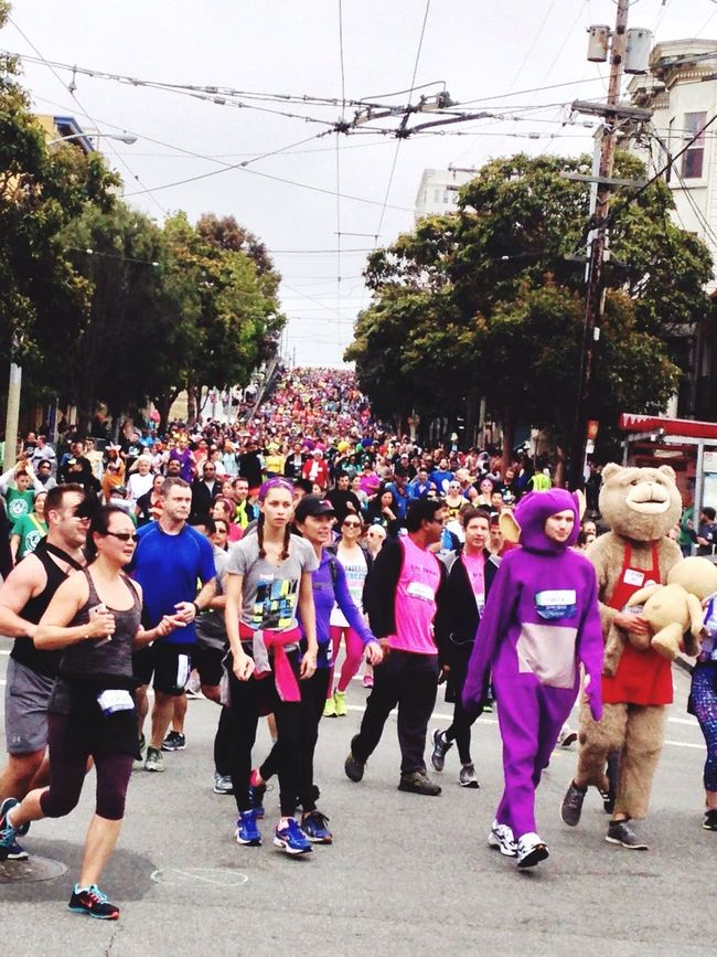 Snapshots Of Life San Francisco California Bay To Breakers Baytobreakers Enjoying Life Streetphotography Sport In The City 50.000 people downhilling Running Marathon Alternative Fitness The Color Of Sport