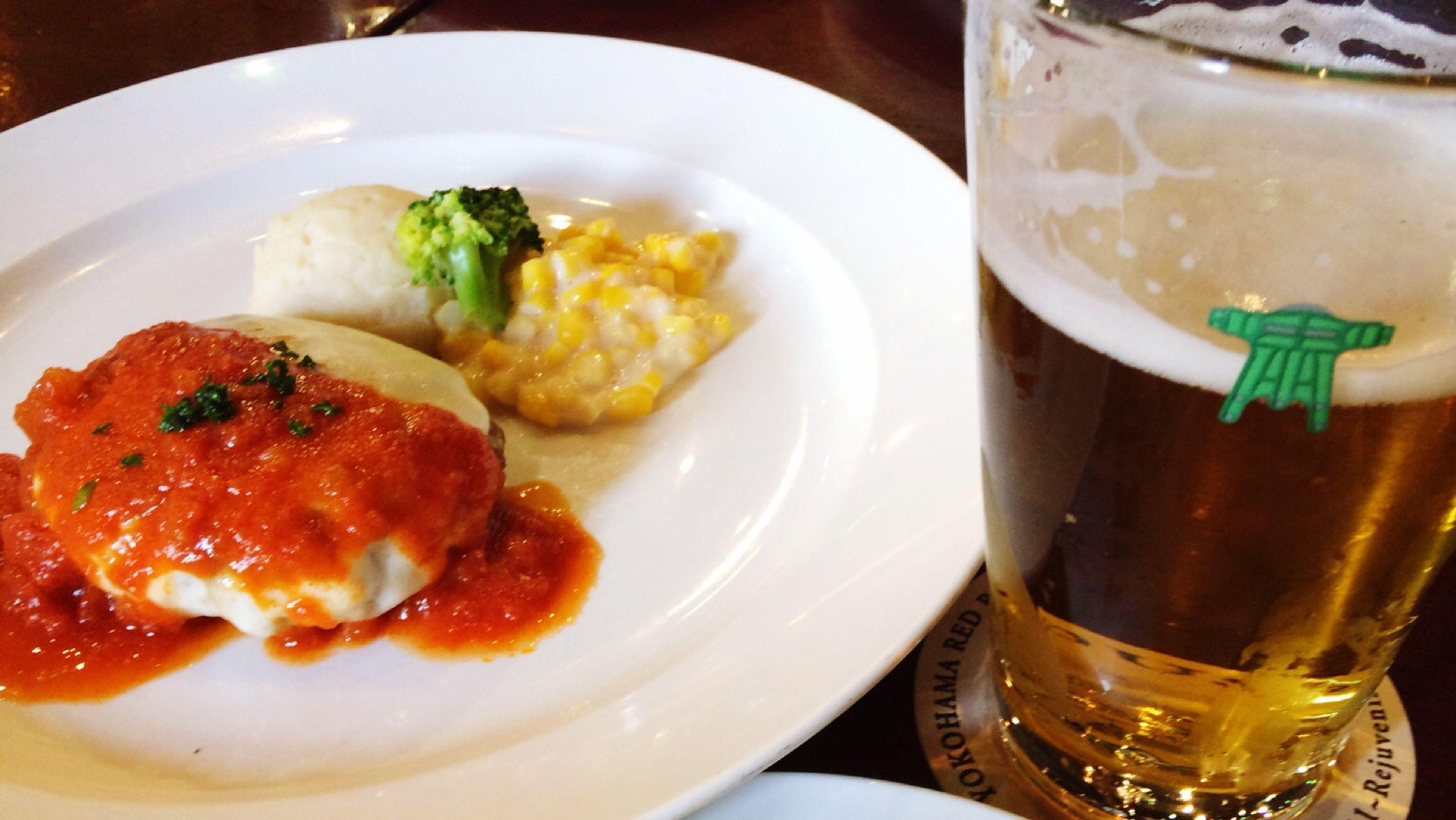横浜ピルスナー。昼間から飲むビールは美味い Beer Lunch
