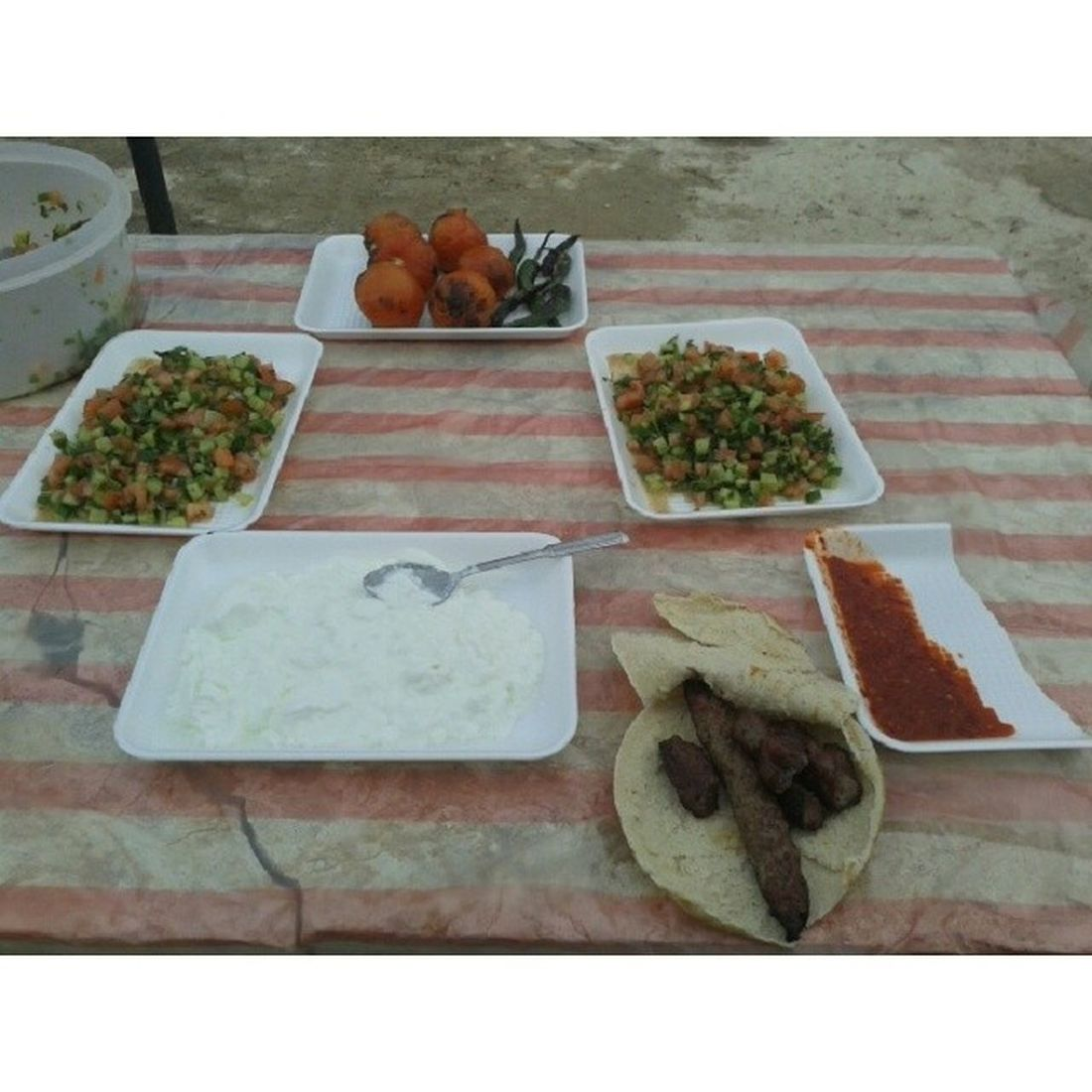 todays lunch Mangal Barbekue Meat Salad salata yogurt peper tomato cucumber