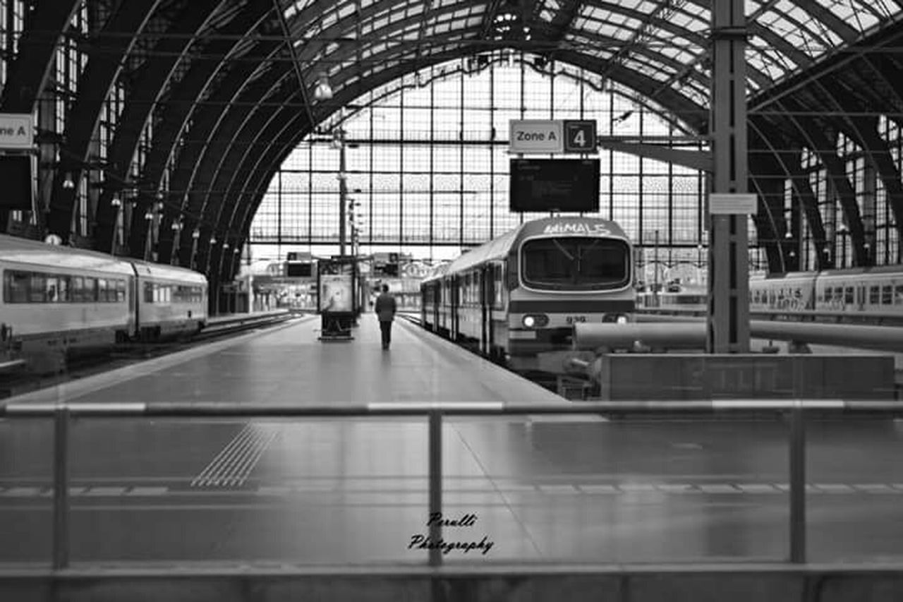 Check This Out Manolo Perulli Fotografie on Facebook The EyeEm Facebook Cover Challenge Black And White Traveling Train Streetphotography Shootermag How's The Weather Today?