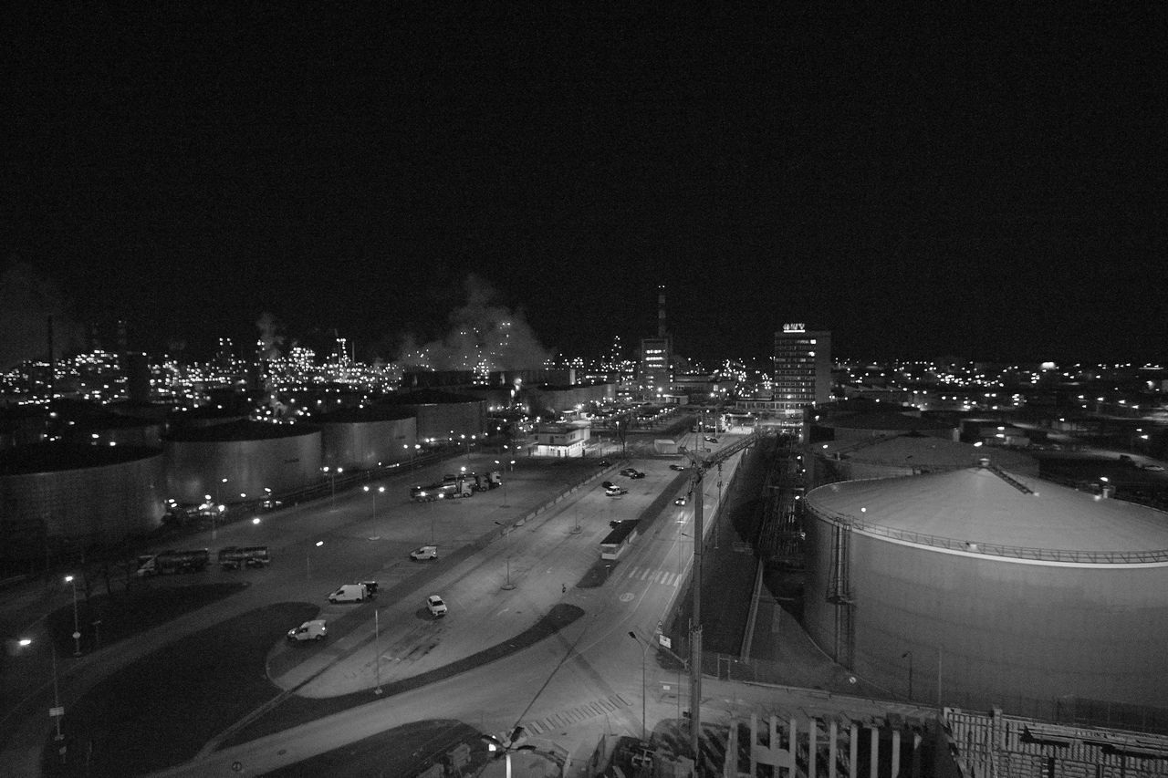 Architecture Blach&white Black & White Illuminated Intustrie Motion Night No People Oil Industry Oil Refinery Outdoors Refinery Sky Transportation öl Raffinerie