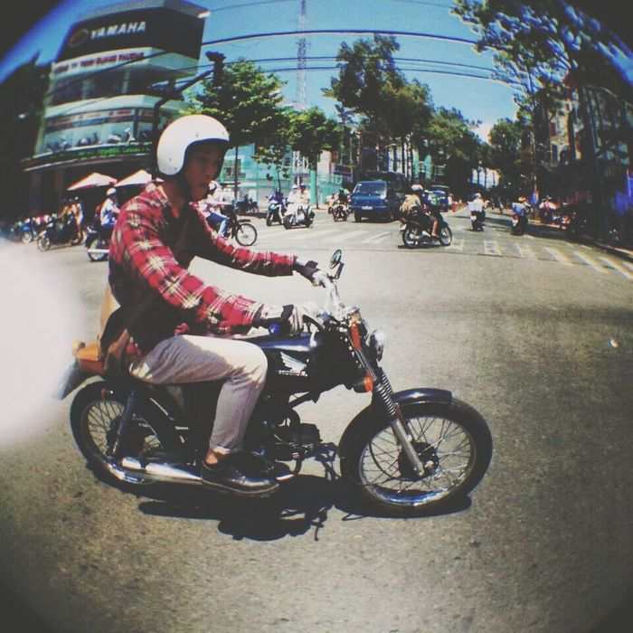 Me riding my motocycle ! The Best Motocycles Outfit Street Tracker