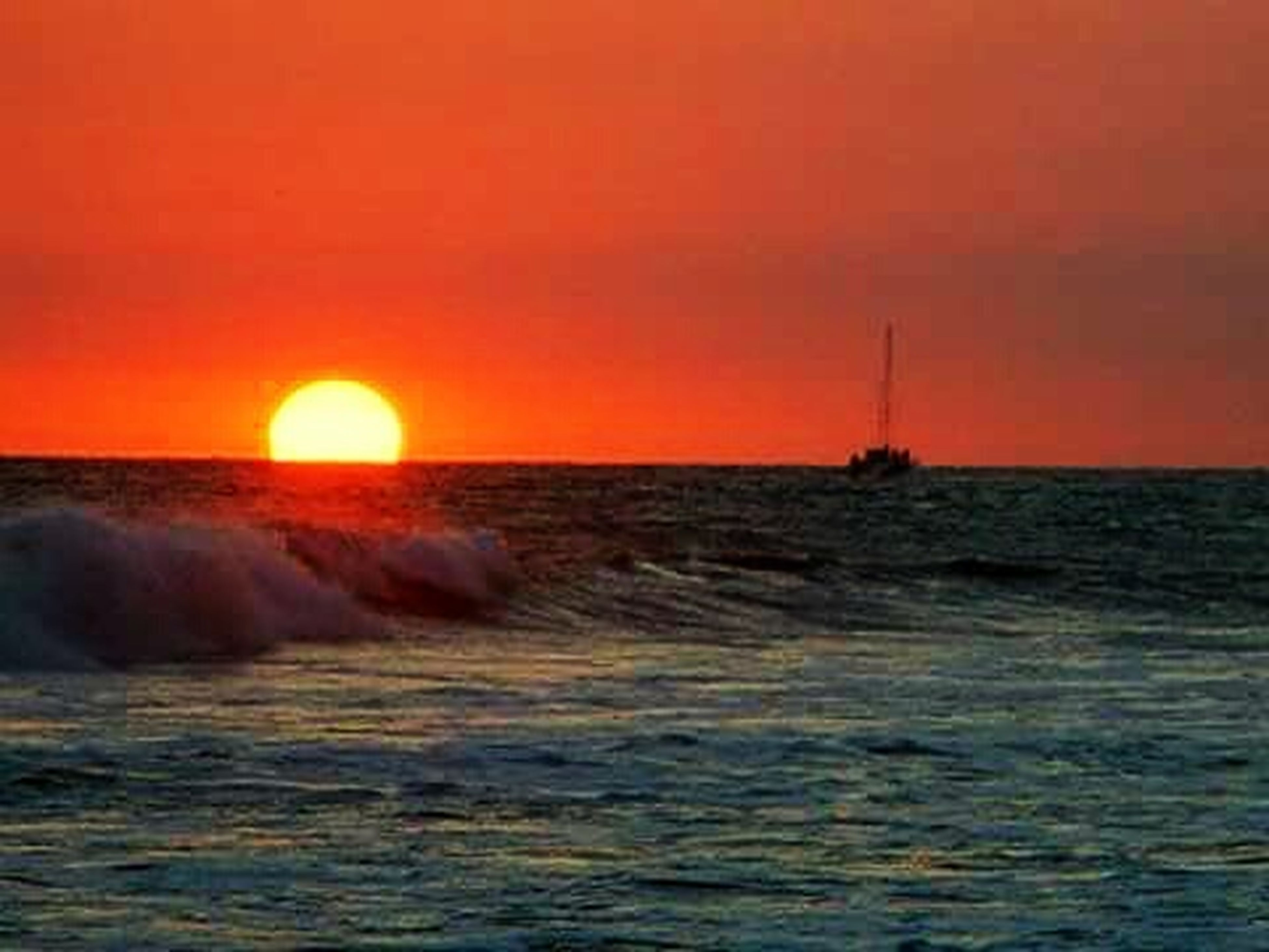 sea, sunset, water, horizon over water, scenics, orange color, beauty in nature, waterfront, sun, wave, tranquil scene, tranquility, idyllic, nature, sky, seascape, rippled, beach, remote, outdoors
