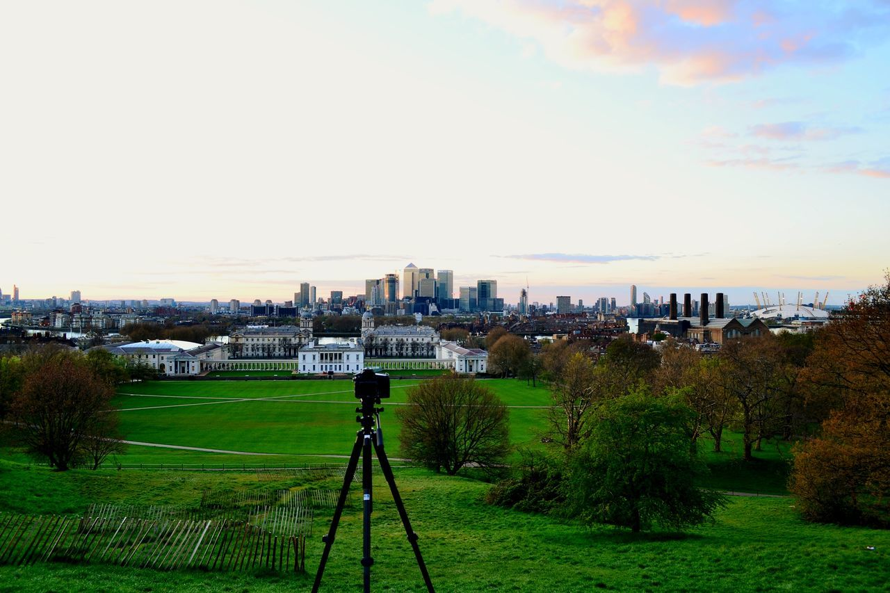 London Freshness Greenwich Park Cityscape Cloud - Sky Sky Outdoors Growth Soccer Field People Architecture City Day North Greenwich Grass Sport Tree Adult LONDON❤ Adults Only Only Men Nature London Lifestyle London London Eye Bridge - Man Made Structure