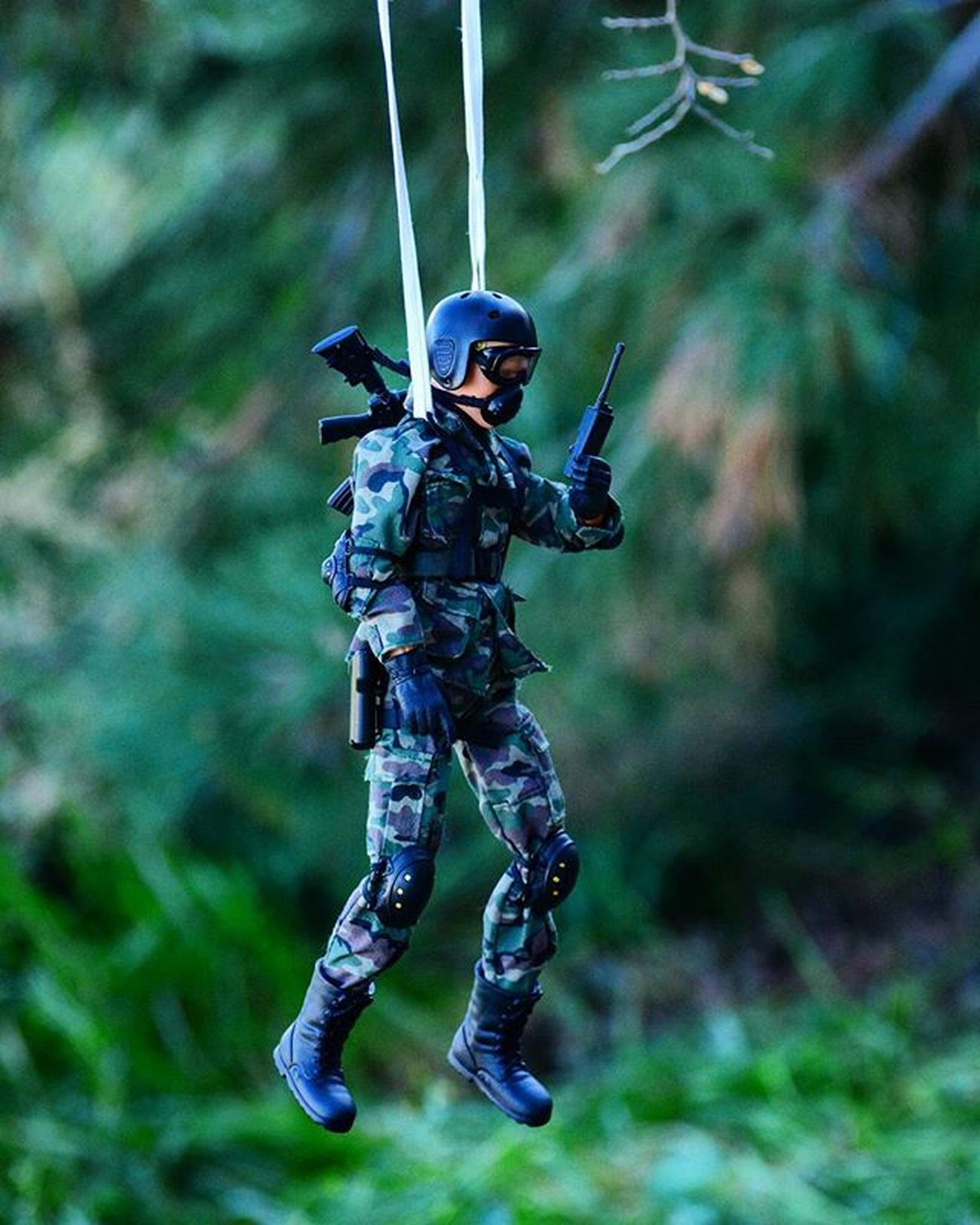 Hang in there...it's only Monday. Toyonlocation Toy_nerds 12inchtoy Worldpeacekeepers Peacekeepers TeamElite Paratrooper Parashooter Parashoot CaseOfTheMondays Stuck Toycrewbuddies Teamnikon Toygroup_alliance Toystagram Toyart Toypictures Arizona Toyphotography Toyboners Toyoutsiders Toydiscovery Camoflauge Military Toys