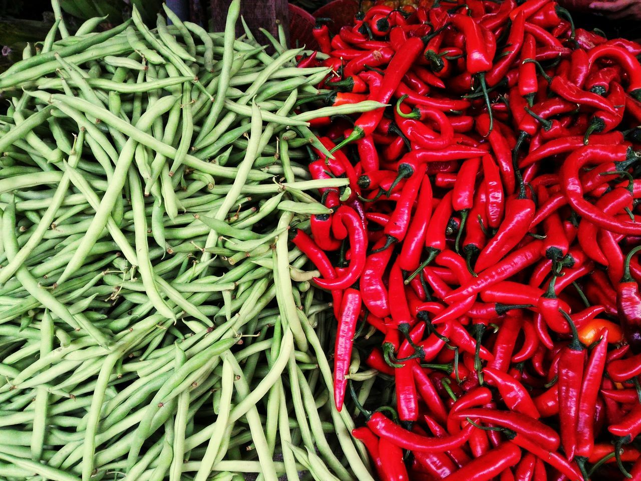 Red Abundance Spice Food And Drink Food Large Group Of Objects No People For Sale Freshness Market Full Frame Backgrounds Heap Retail  Day Outdoors Close-up Chilies Contrasting Colors Green Red Bazaar Pepper Market Marketplace EyeEmNewHere The Street Photographer - 2017 EyeEm Awards The Photojournalist - 2017 EyeEm Awards