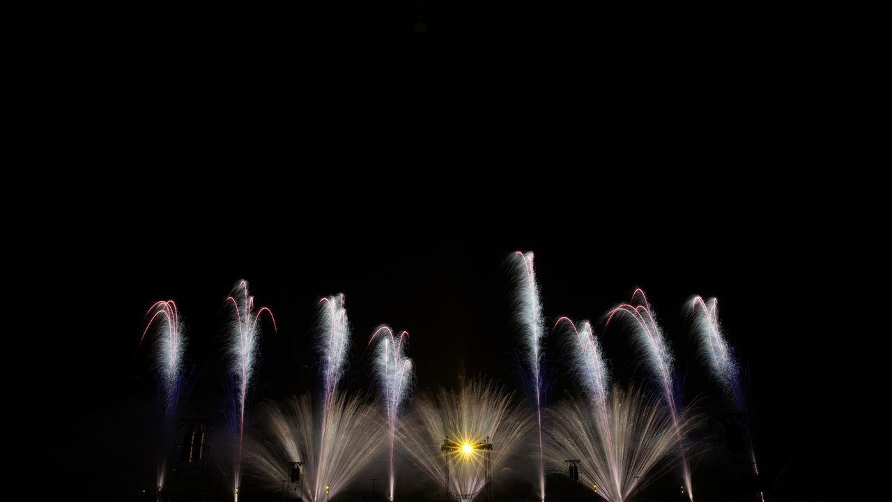 nuit de sologne fireworks 2014 Copyright M. Moschini Firework Firework - Man Made Object Firework Display Fireworks Fireworks In The Sky Fireworks! Fireworks❤ Night Nuit De Sologne Fireworks 2014