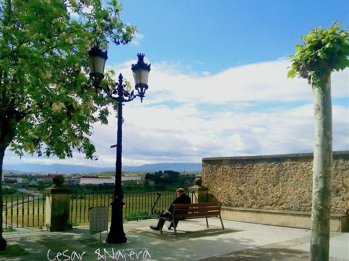 la vida.. y sus etapas🚶💏👪😨⛪👆🚶✔🌍🌅 Taking Photos Logroño Hello World Sun_collection, Sky_collection, Cloudporn, Skyporn Valencia, Spain Hanging Out Getting Ready For Outdoor Day With @cesartrigo Vitoriaregia OpenEdit EyeNatureLover
