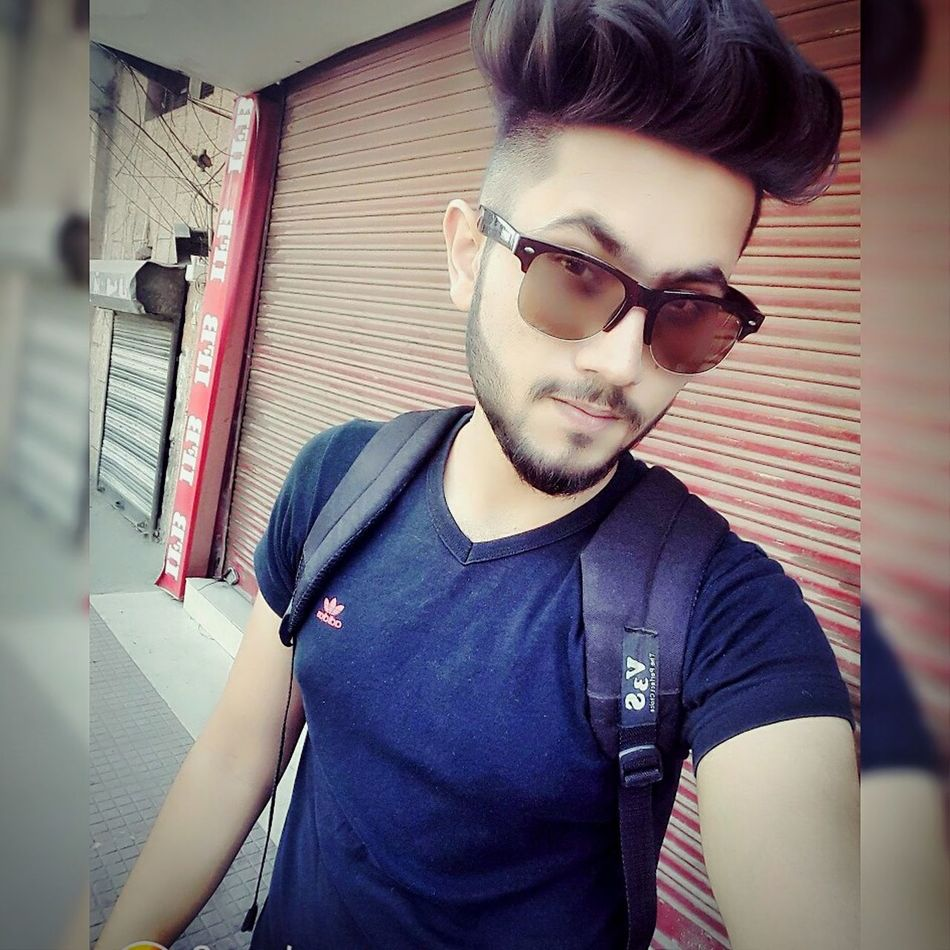 Only Men One Person One Young Man Only Men Real People Modern One Man Only Youth Culture Outdoors Young Adult Hipster - Person Lifestyles City Adult Adults Only Fashion Standing People Human Body Part Day First Eyeem Photo Hairstyle Haircut Hairstylist Hairstyles