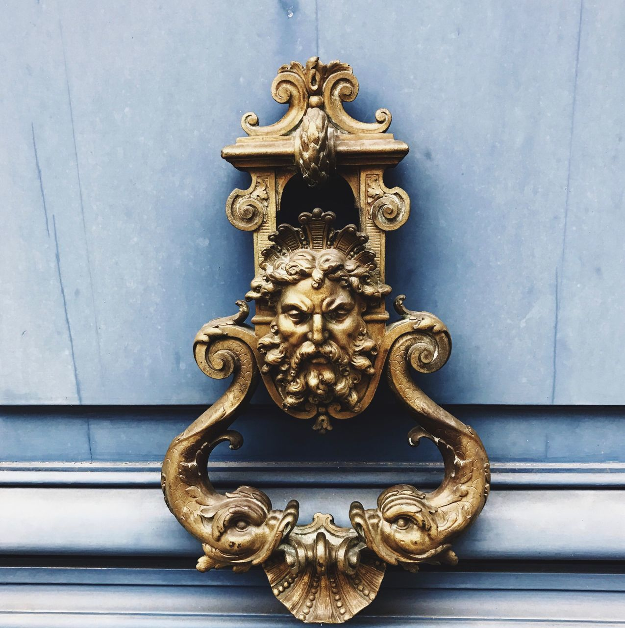 metal, door, close-up, door knocker, outdoors, design, day, no people, full frame, gold colored, building exterior