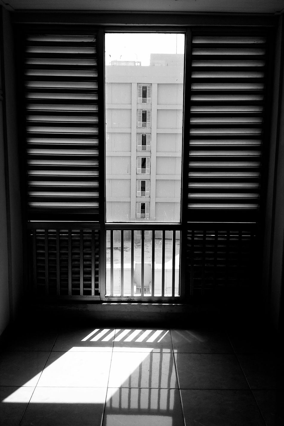 Built Structure No People Indoors  Day WindowsPhonePhotography Windows View Windowlight Windows And Doors Shadows & Light Shadows And Silhouettes Shadows And Sunlight EyeEm Best Shots Best EyeEm Shot