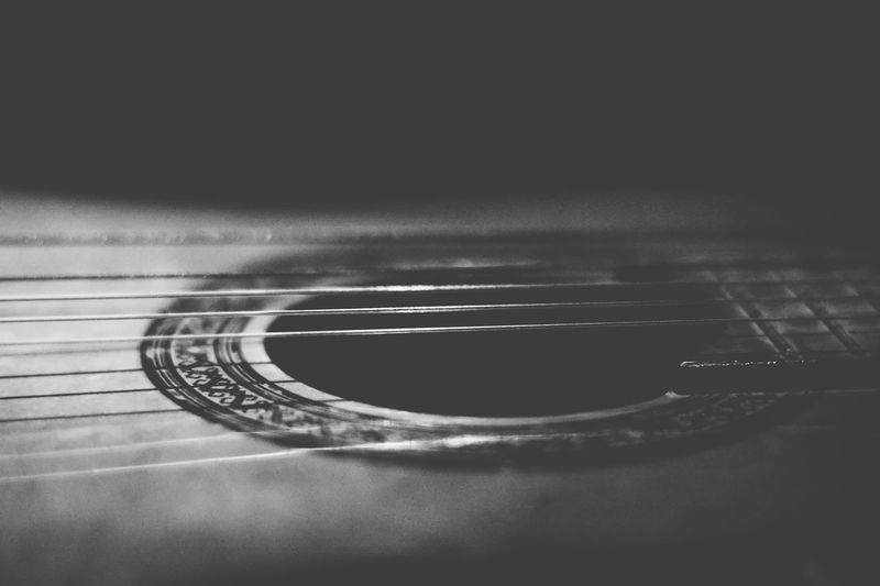 Abstract Black And White Blackandwhite Check This Out Close-up Conceptual Creative Light And Shadow Exceptional Photographs EyeEm Close Up Technology Pivotal Ideas EyeEm Masterclass Fine Art Photography Showcase July Focus On Foreground Guitar Hello World Monoart Monochrome Music Musical Instruments No People Music Brings Us Together Selective Focus Still Life