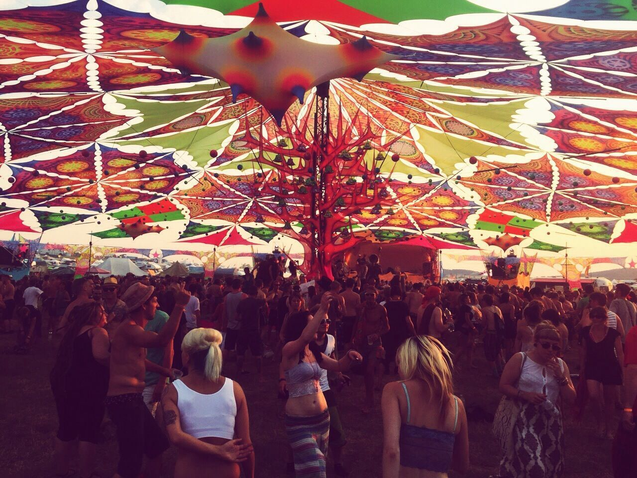 Adrenaline Junkie Happy People Electronic Music Shots Antaris Crazy People Happy People. Warm Day Hot Day ☀ Hot Summer Day Narture Sunshine Festival Dancing Around The World Dance ❤ Psychedelicdreams Crazy Moments Sun Nature