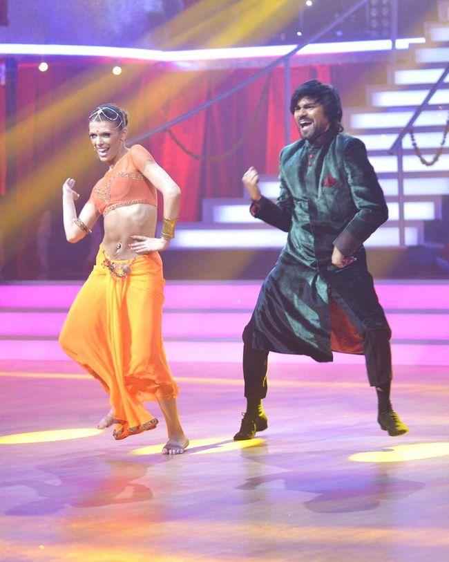 Gaurav Chopra Gaurav In Georgia Dance Stars In Georgia Gaurav Chopra Indian Actor Love He Actor Dance Indian Dance Actor
