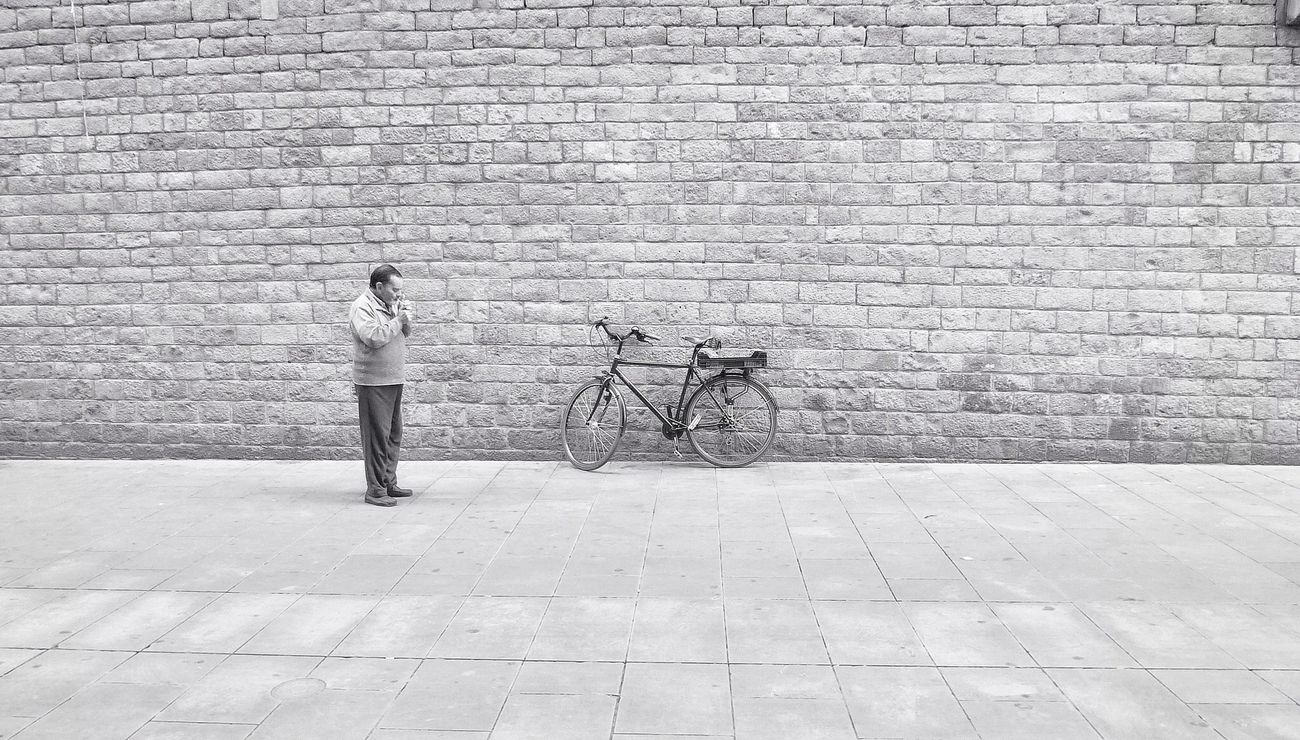 Smoking time, 1 Streetphotography_bw Street Photography Eye4black&white Streetphoto_bw