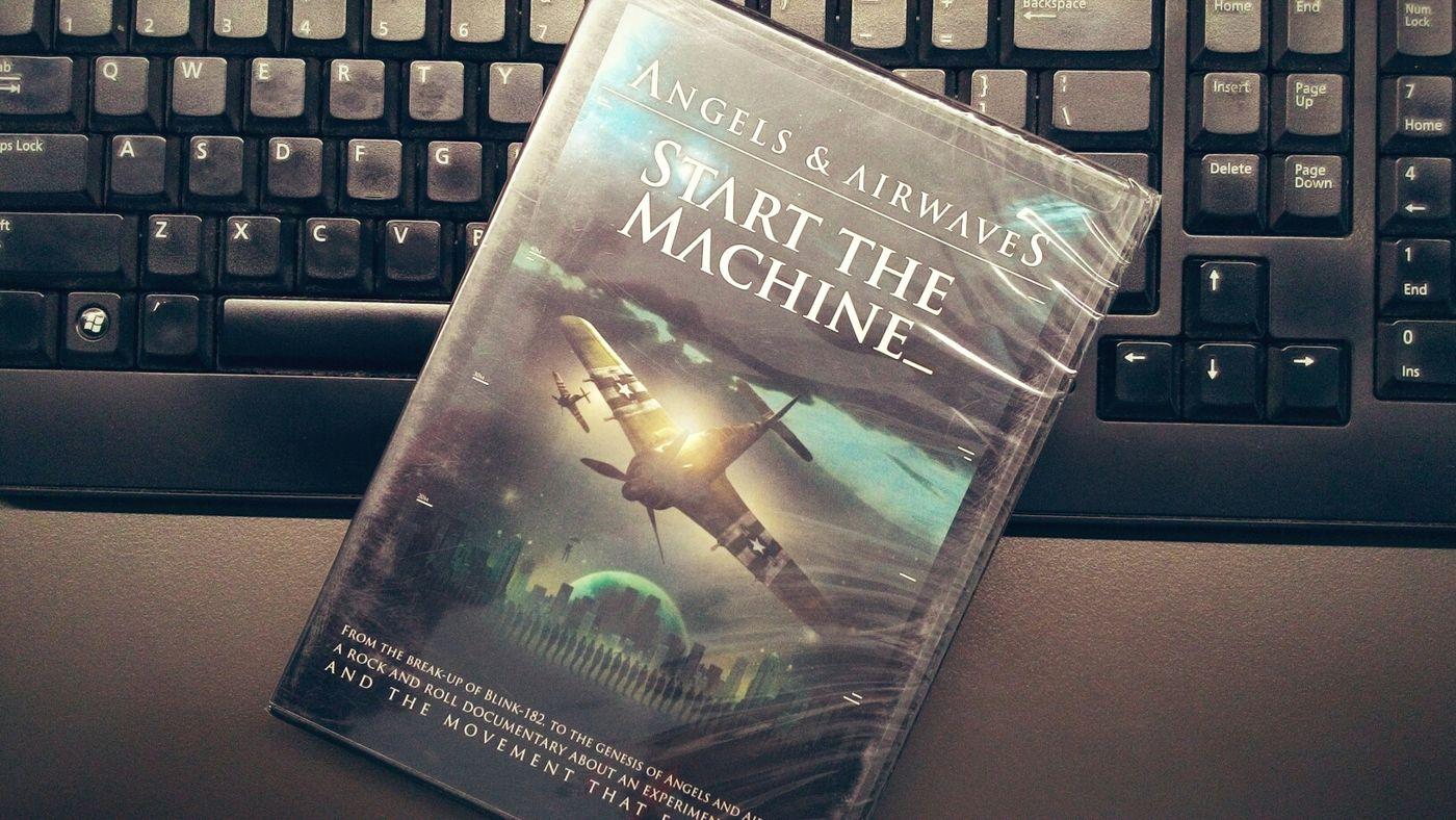 Start The Machine Taking Photos Enjoying Life Hello World Angelsandairwaves Macbethindonesia Bye Bye Macbeth From Indonesia