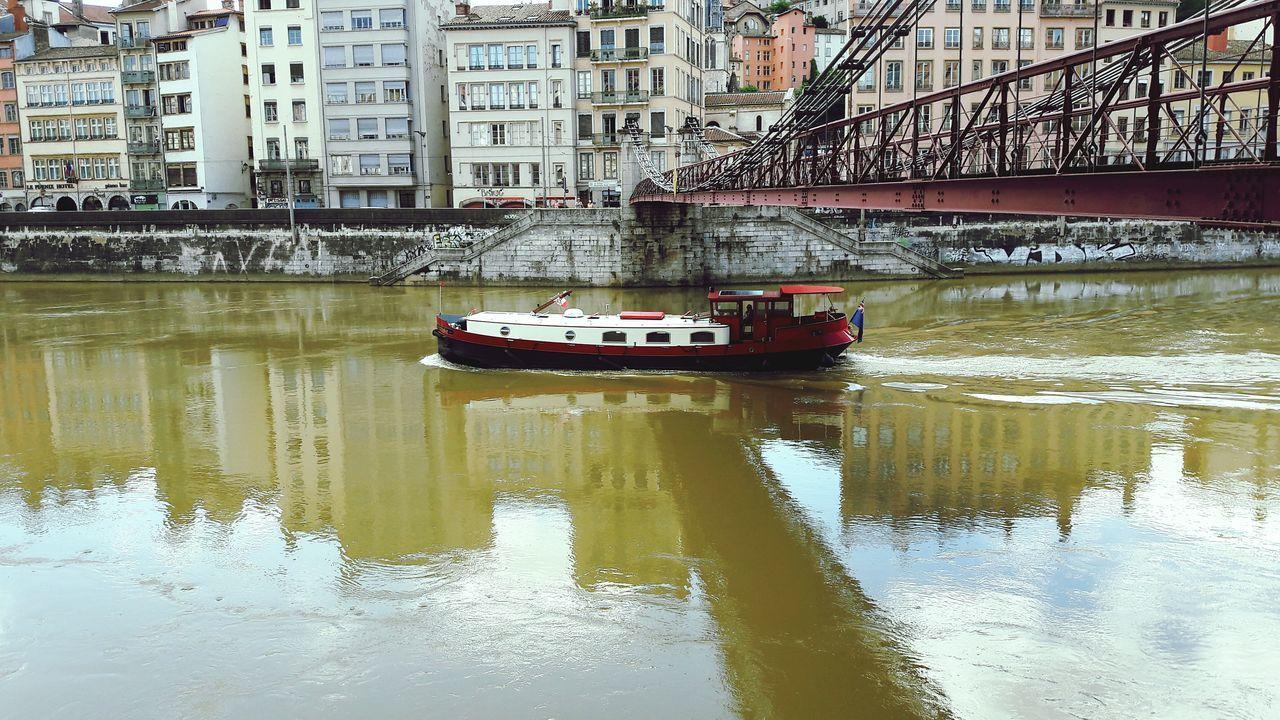 Bateau Bateaux Bateau ❤️ Peniche Peniches Lyon69 Lyon Lyon France Lyon😍 Lyon Part-Dieu Lyon Croix-Rousse Lyon❤ Vieux Lyon  Summer Summertime Summer ☀ Summer Time