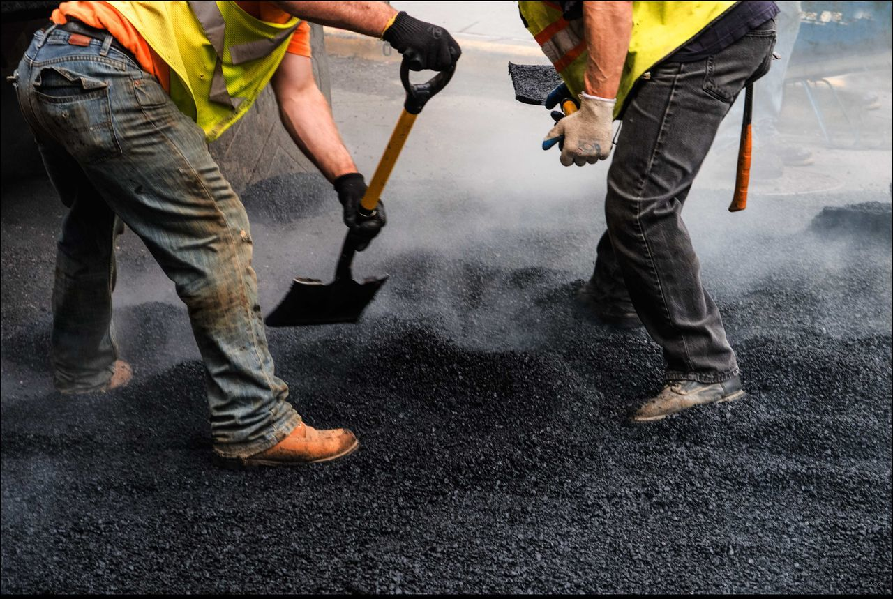 Men @ Work 10/9/15 Backbreaking Fixing Road Hot Steam Men @ Work Potholes Real People Shovels