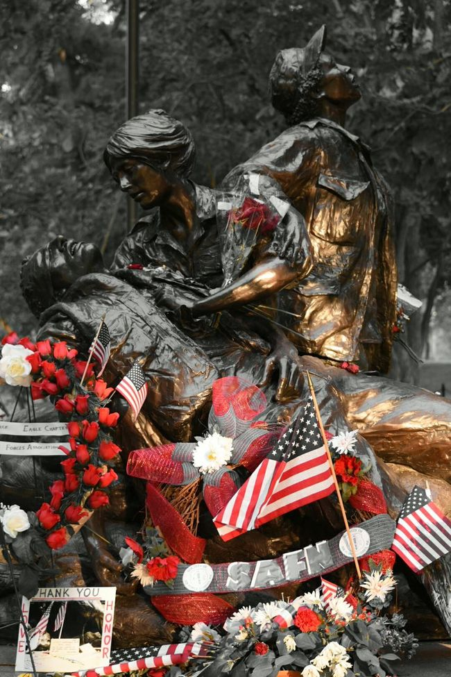 Vietnammemorial Women Veterans Memorialday Blackandwhite Photography Duty Honor Sacrifice
