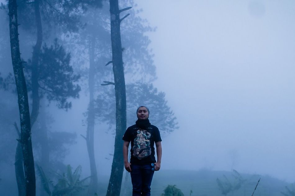 EyeEmNewHere One Man Only Fog Only Men Full Length Adventure People Standing Activity Outdoors Mountain Visualoflife Bandung Power In Nature Leisure Activity Freshness Visual Journal INDONESIA Healthy Lifestyle Hiking Cold Temperature Beauty In Nature EyeEm Best Shots Moodygrams Mood