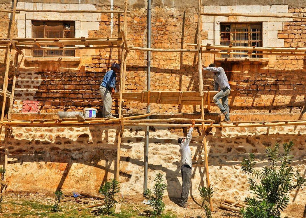 Işçibayramı 1mayis Workersday Sanliurfa Duvarustasi Iskele Kalas Işçi People Photography Urban Geometry