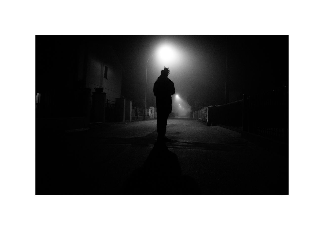 Silhouette Only Men Men One Person People Human Body Part Embrace Urban Life Silhouette Real People Everywhere Night Dark Street Photo Cityscape Canon Lifestyles Photography EyeEm Gallery Portrait Streetphotography Eyeemphoto Camera Light Samyang14mm