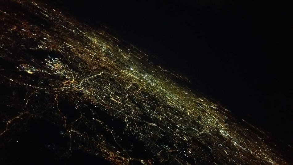 Learn & Shoot: After Dark Cities At Night Learn And Shoot: After Dark After Takeoff British Airways View From The Airplane Window Light In The Darkness Jewels In The Dark Night Photography Night Lights In The Night London In The Night Above London View From An Airplane Pattern Pieces London On The Way A Bird's Eye View