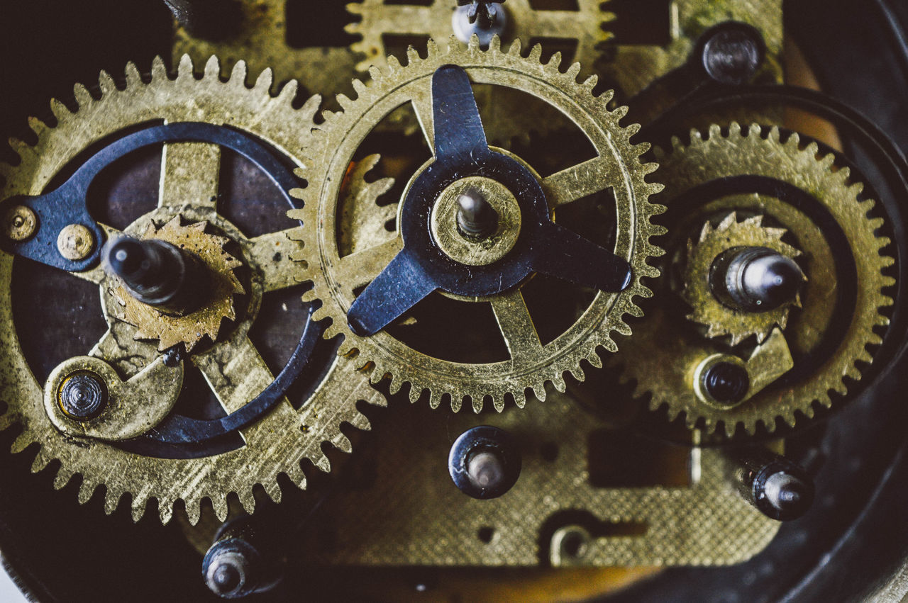 Clock Gears II Engranaje interno del tiempo II Antique Clock Clock Gears Clock Tower Clockworks Close-up Design Engraved Image Gear Gear Assembl Machine Part Machinery Old Old Clock Reloj Reloj Ant Time Vintage Watch