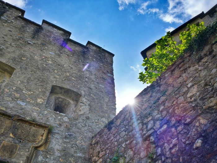 Castel Ivano Fracena Valsugana Trento Trentino Alto Adige Italy Travel Photography Travel Voyage Traveling Mobile Photography Backlight Architecture Castles Wall Textures Lens Flares Sky Clouds Mobile Editing