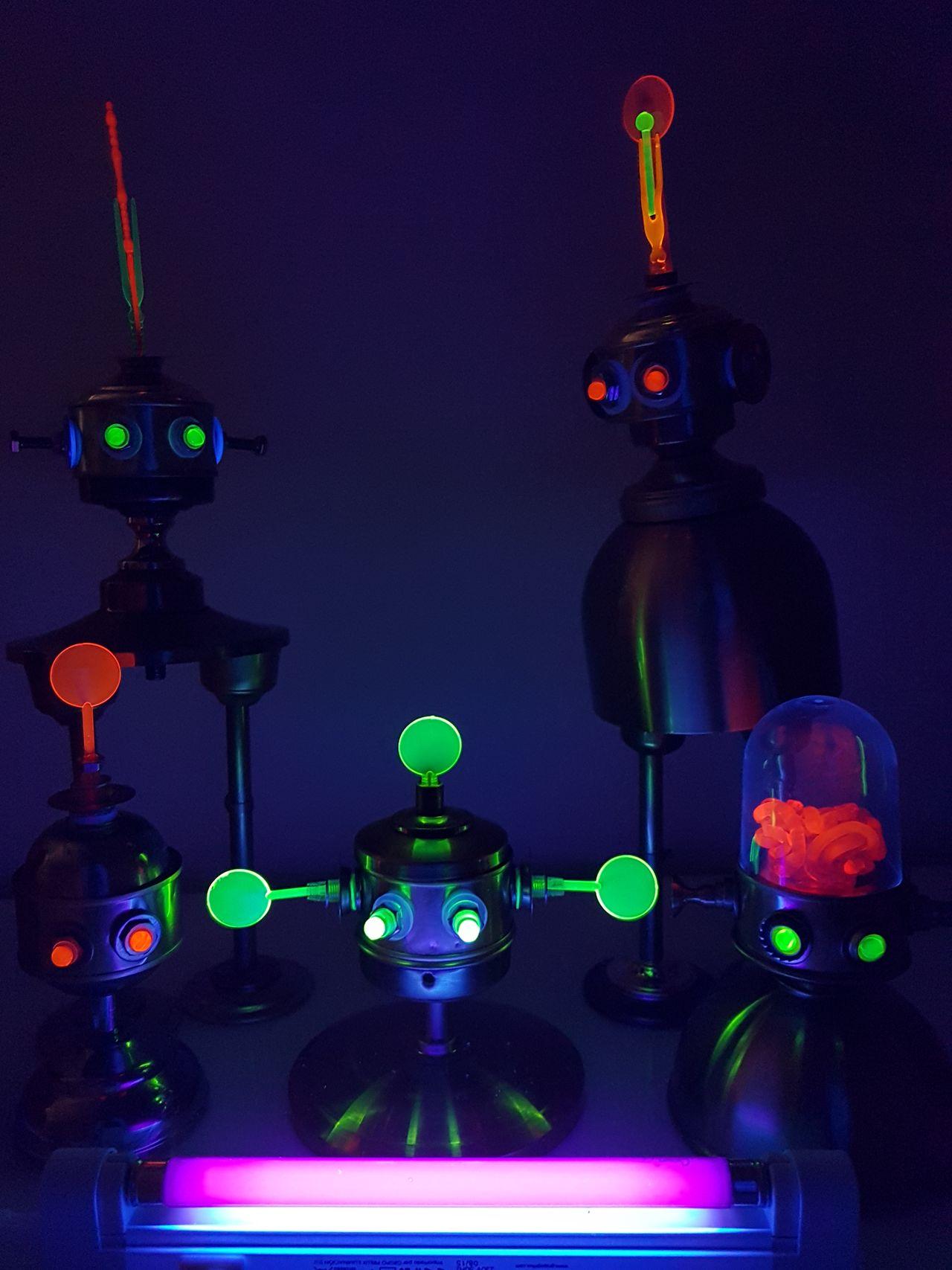 Fluo bots Music Dark No People Technology Indoors  Clock Neon Robots Art Dark Light Lighting Fluorescent Light Fluo  Fluorescent Colors