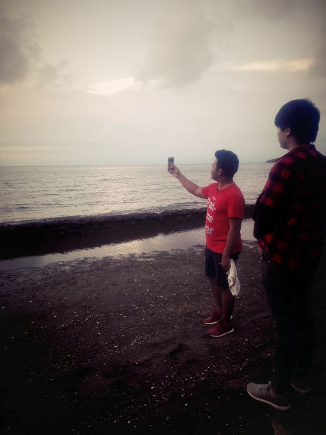 Capture The Moment Twoloverspoint Togetherness Beach