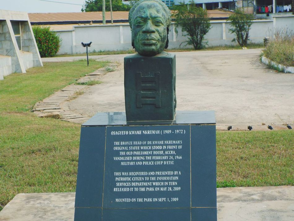 Art Is Everywhere Text Human Representation Sculpture Accra Ghana West Africa. Ghana President Kwame Nkrumah Circle