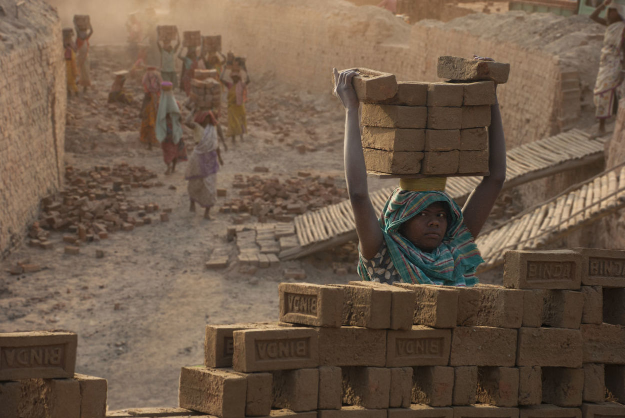 Brickkiln Workers Bricks Child Labour Dust Indiapictures Life In Motion People And Places Toilers Working Hard