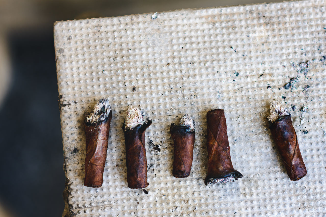 5 cigars, Angle Ash Ashes Ashtray  Composition Details Five Healthy Lifestyle Lifestyle Pattern Pattern Pieces Sequence Smoke Still Life Texture Tobacco