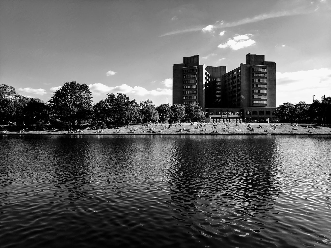 This Hospital gives me creeps // Architecture Building Exterior Water Tree Sky Built Structure City Waterfront Skyscraper Reflection OutdoorsModernDay Black And WhiteGoogle Pixel via Fotofall