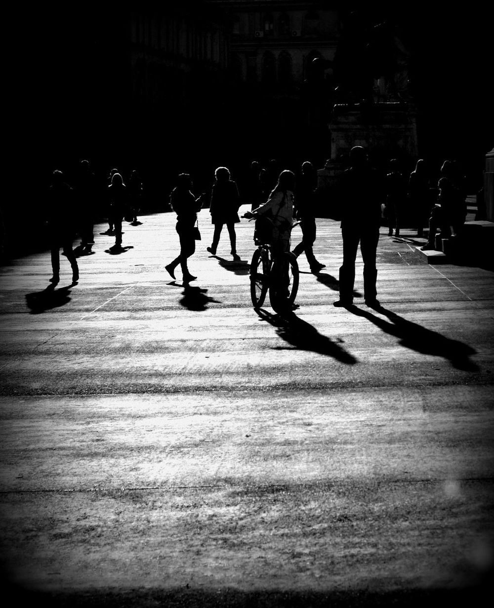 Black & White Blackandwhite Light Light And Shadow Micul Paris Noir Real People Streetphoto_bw Streetphotography Streets Of Bucharest