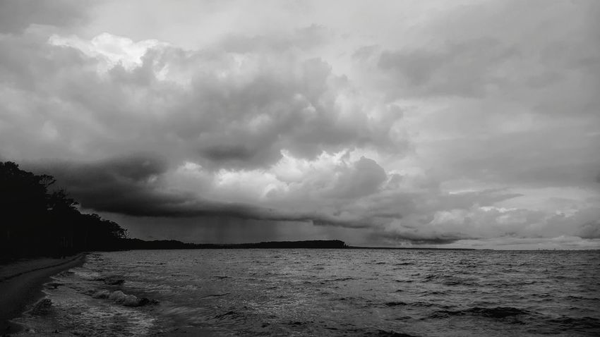 Stormy Skies. PhotographybyTripp Smartphone Photography Phoneography Samsung Galaxy Note 5 Camera360Ultimate Pixlr Beastgrip Pro Rainy Days Rain Clouds Stormy Skies Cloud_collection  Sky_collection Eyeem Clouds EyeEm Nature Photography Check This Out Unique Style EyeEm Best Shots Creative Photography Storm On The Horizon Black And White Collection  Blackandwhite Photography