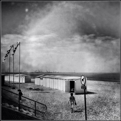 beach at knokke by Annie Mallégol