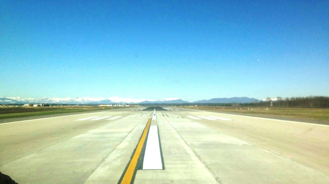 Runway Airplane View From An Airplane The Alps Flugzeug Blick Aus Dem Cockpit Cockpitview Cockpit Beautiful View Views Sunny Day Clear Sky Before Take Off Before Takeoff ✈ TakeOff Blick Auf Die Berge Alpenblick Die Alpen Mountainview Waiting For Take Off Pilots PilotsLife Pilotsview Pilotseye Stuttgart