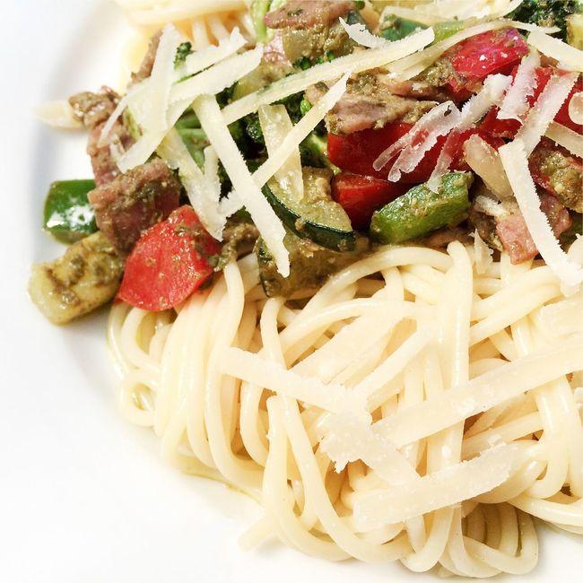 Spaghetti bolognese Spaghetti Bolognese Vegetables Bacon Pasta Homemade Italian Cooking Food Healthy Eating Healthy Food Italian