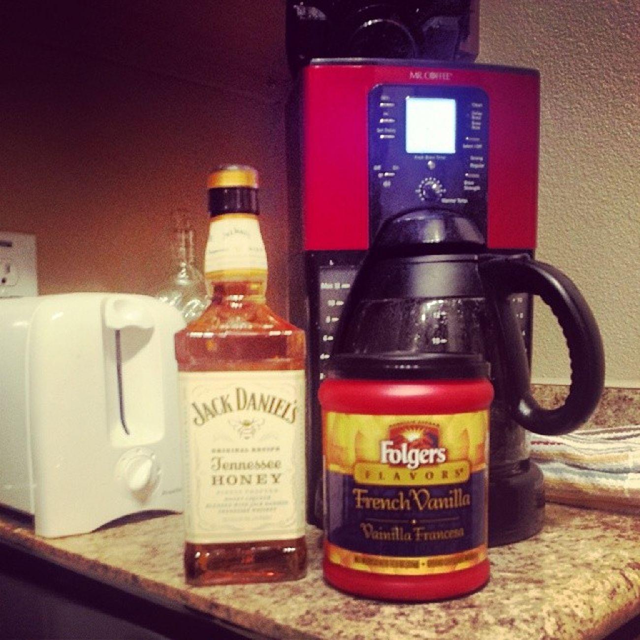 DrunkAndEnergized JackDanielsTennesseeHoney and FolgersFrenchVanilla Donotdisturb ImChillin
