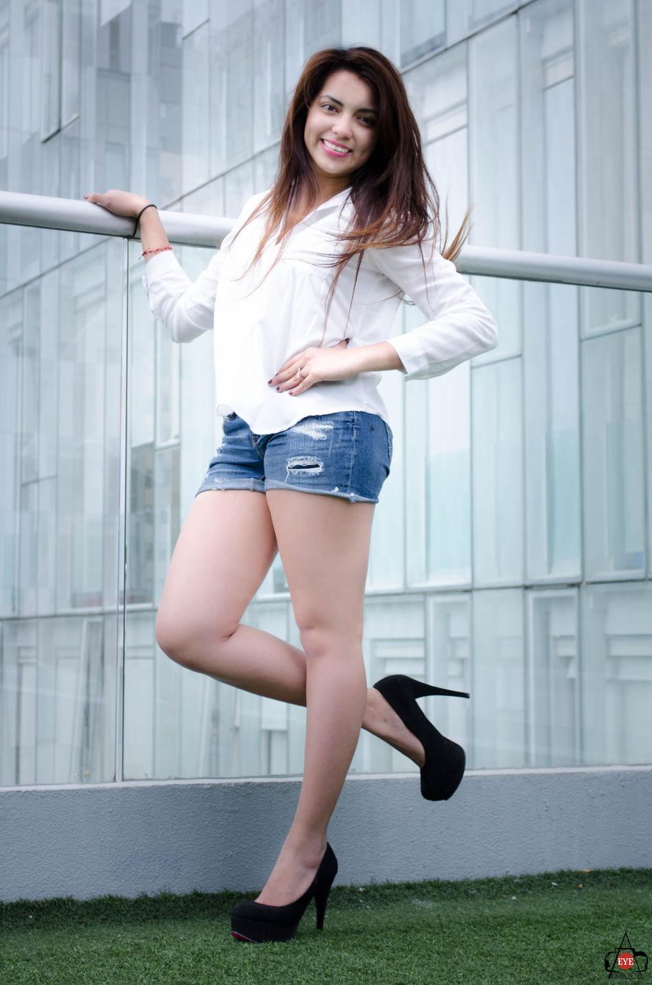 Amazing Body & Fitness Fashion Fashion&love&beauty Fashionable Girlsfashion Legs Long Hair LongLegs♡ Magazine Mexican Mexicana Mexico City Model Modeling Polancodf Residencial Sensuality Sexygirl Sexylegs Shorts Tacones Altos Young Women
