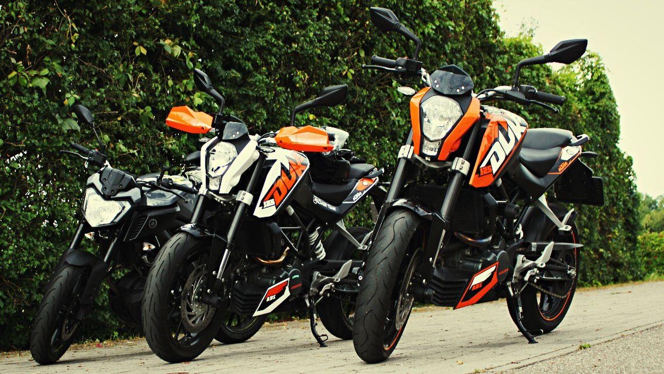 Motorcycles Fun Ktm Yamaha Warm Colors Orange White Black Germany Parking Lifeontheroad