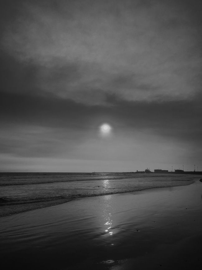 Sunset Sea Horizon Over Water Tranquil Scene Tranquility Beach Beauty In Nature Sky Sun Nature Seascape Moody Sky Travel Destinations Cloud - Sky EyeEm Best Shots The Great Outdoors With Adobe Blackandwhite Black And White Eye4photography