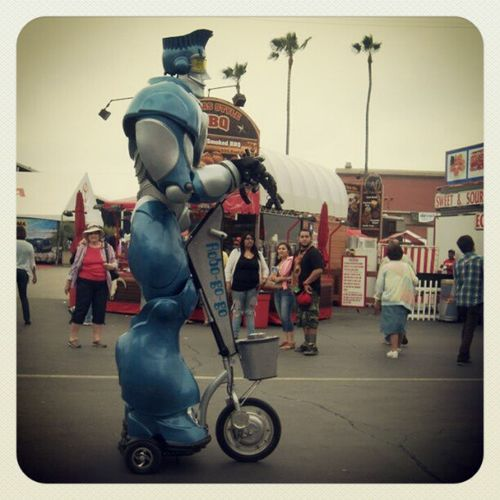 California Countyfair Sandiego Summer2012 robot tall scooter