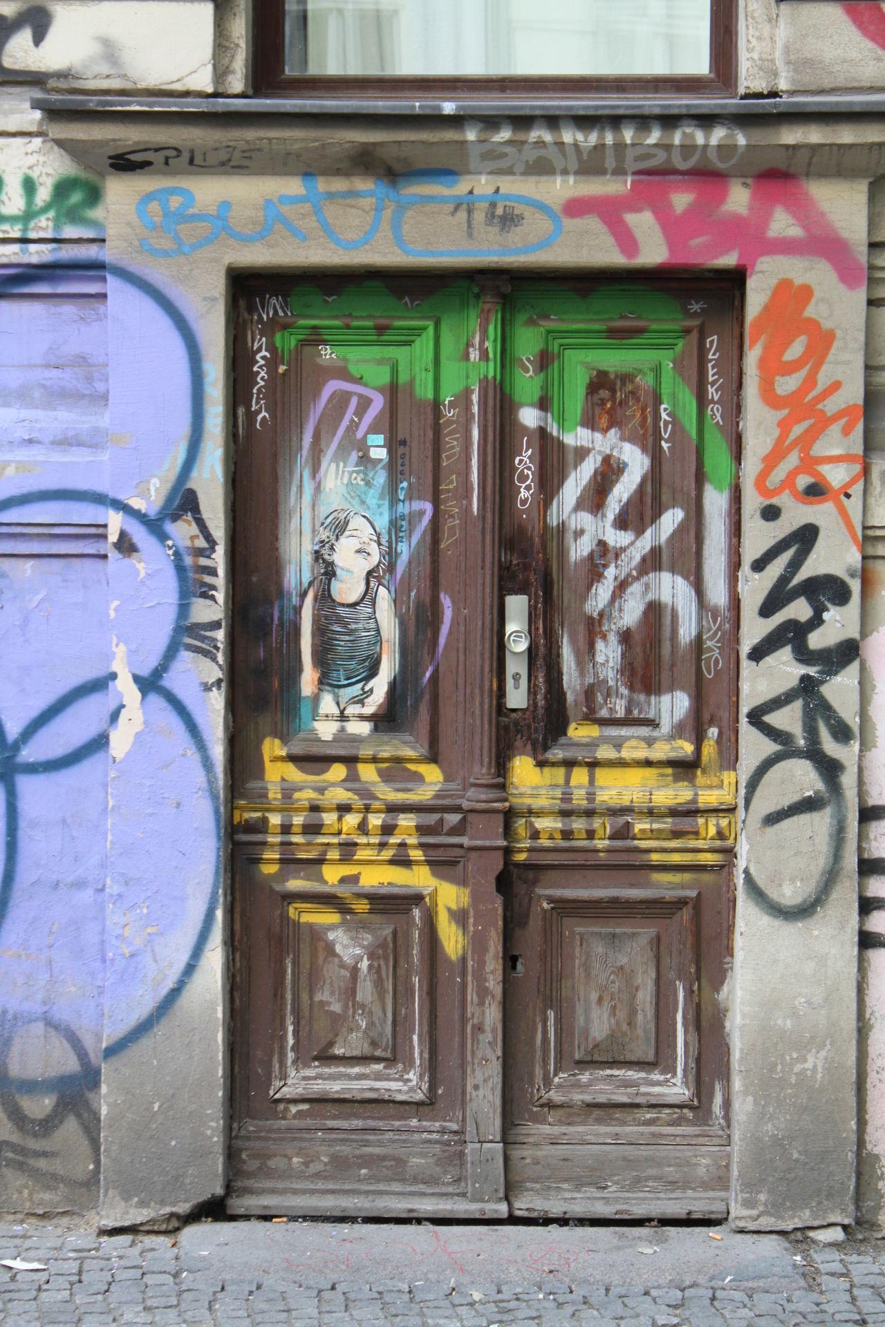 Berlin Graffiti Hauseingang The Purist (no Edit, No Filter) Door My Fuckin Berlin No People Streetphotography Berlin Remains Dirty