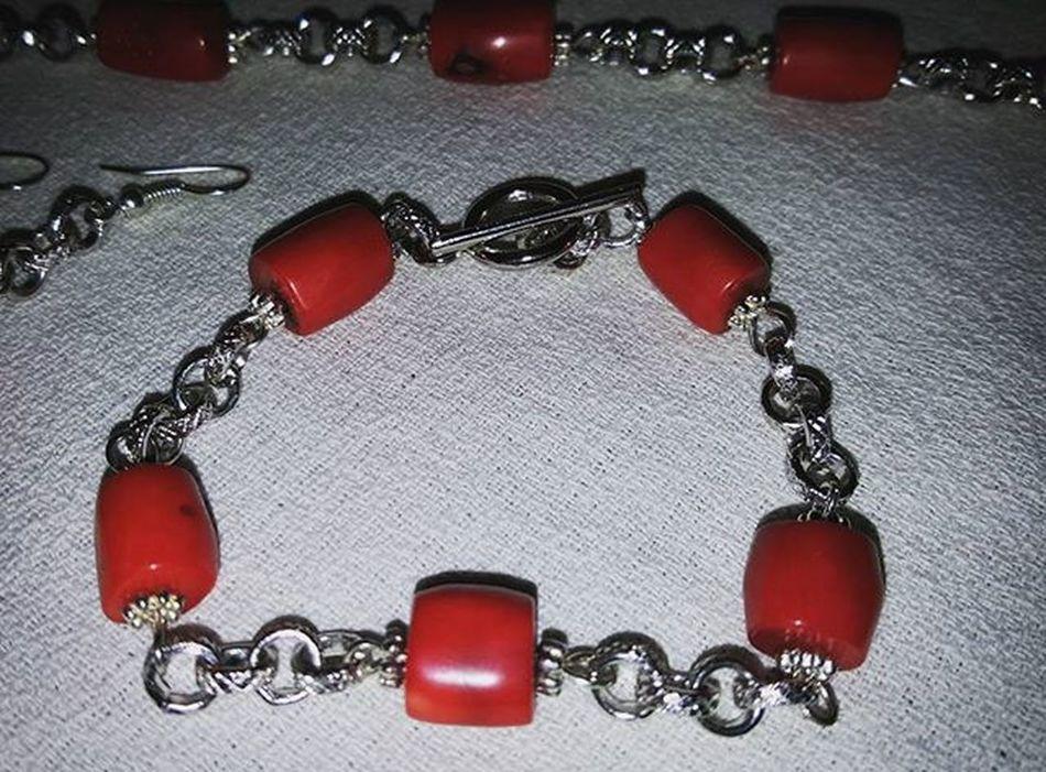 Summer jewelry Summerjewelry Jewelryhomemade Bracelethomemade Bigiotteriaartigianale Bigiotteria Hobby Braccialefattoamano Coral Coralbamboo Corallo Corallobambù