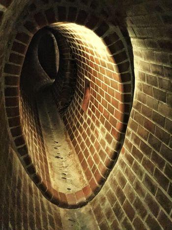 Warsaw, tunnel Bricks