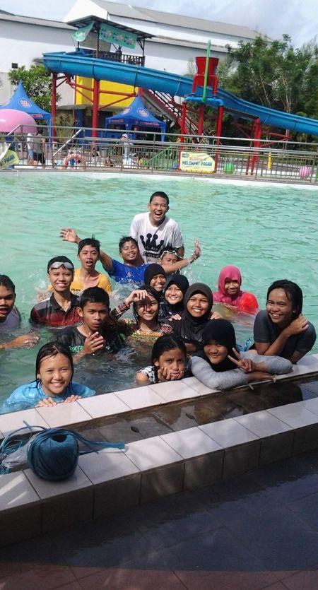 Kita Swimming Holiday Fun