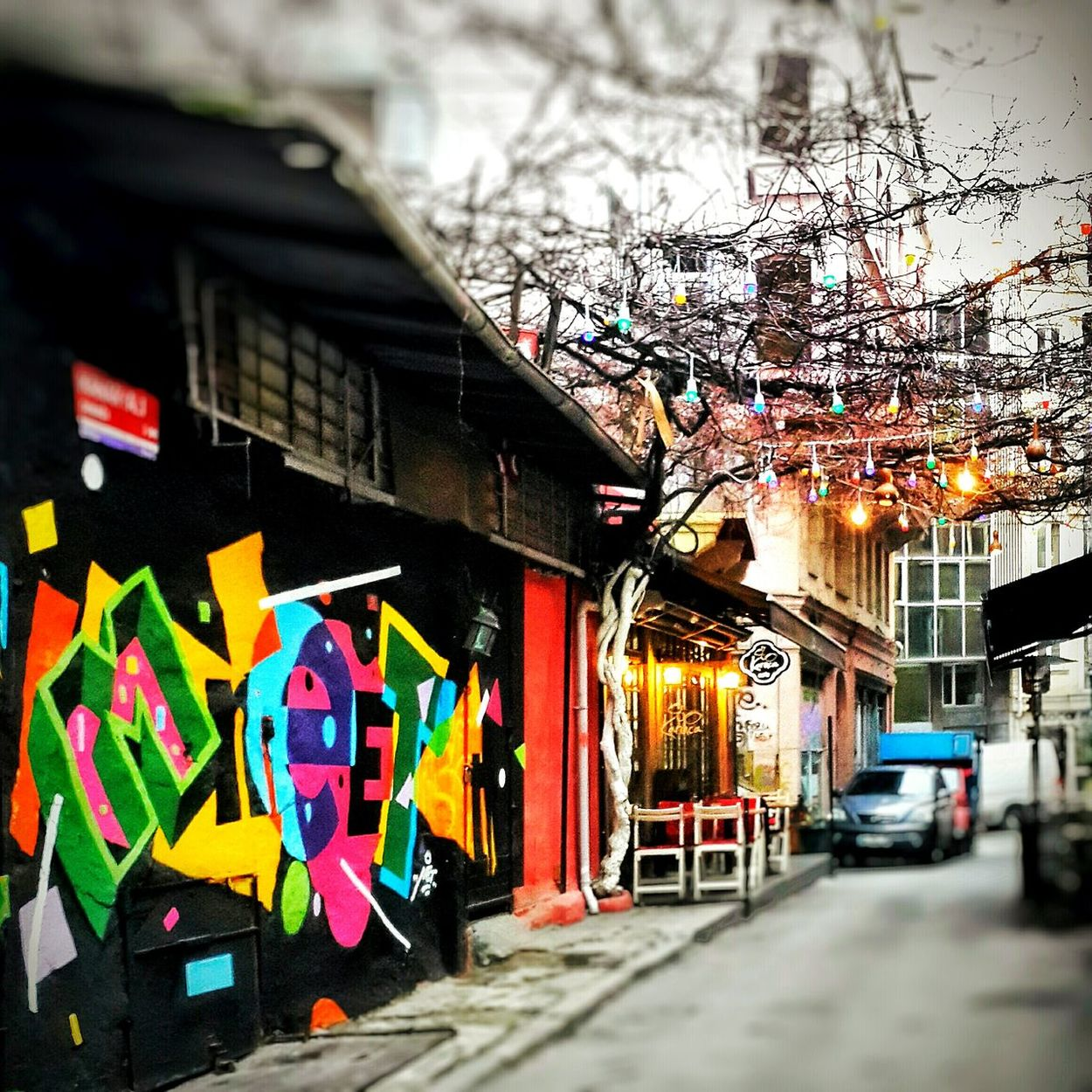Karaköy Renklianlar Renklibinalar Renklirenkli Colors Colour Of Life Street Photography Streetphoto_color City 🎨colors 📷📷✌✌🌎🌎 Graffiti